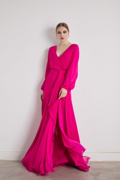 Vestido largo vaporoso en fucsia