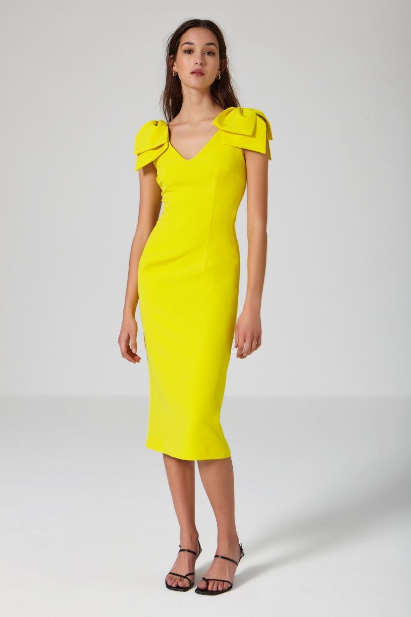 vestido recto amarillo lazos en el hombro
